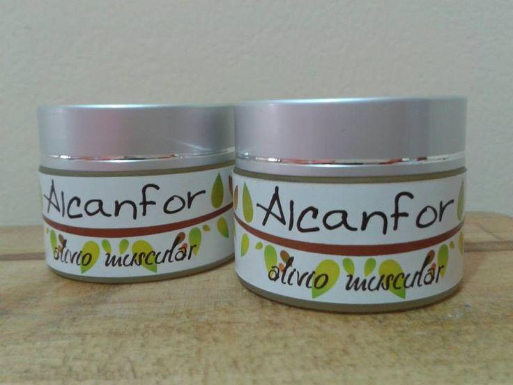 Crema para el dolor, contiene alcanfor, árnica y aceites esenciales. Es ideal para aliviar dolores musculares, producidos por caídas o deportes de contacto.  https://www.facebook.com/pages/Aroma-de-los-Andes/148524871882185?fref=ts