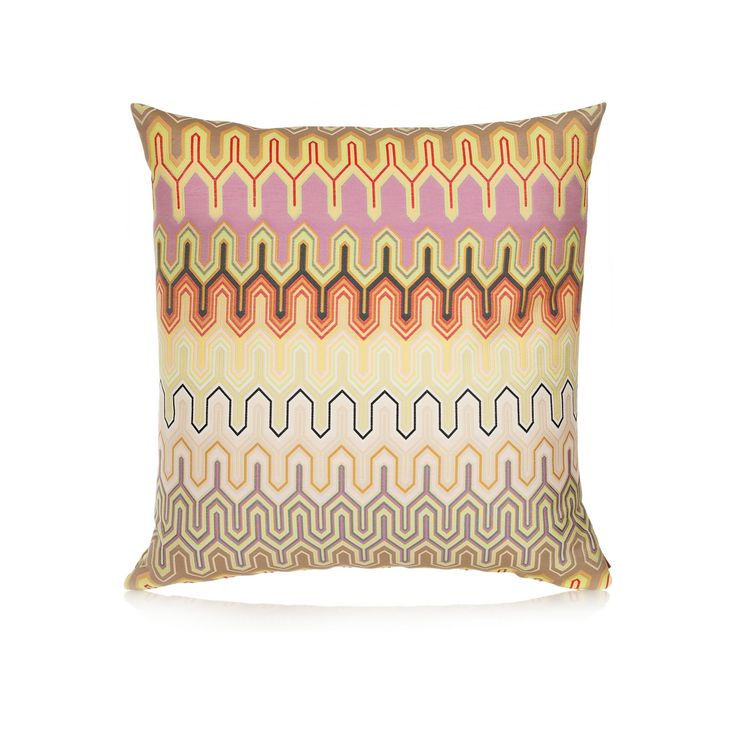 MOGLE CUSHION de #Missoni Home. Almohadón con exclusivo diseño, realizado en elegante tejido. El complemento perfecto para el sofá, el sillón o la cama. Encuéntralo en #Fidelius  http://www.fidelius.com.uy