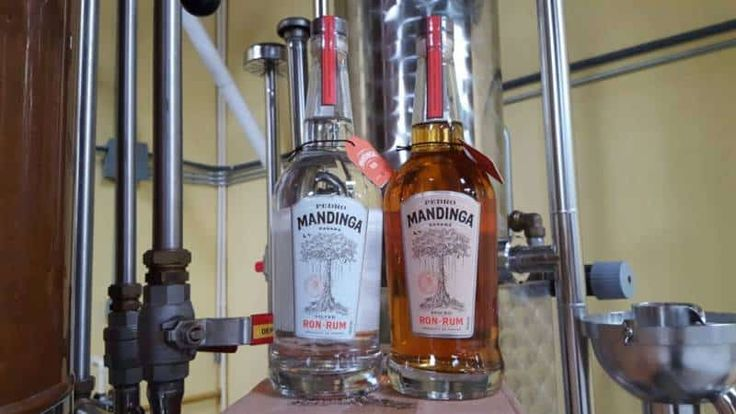 Pedro Mandinga Silver Rum: Hints of banana, cotton candy and caramel with a smooth, silky palate  Pedro Mandinga Spiced Rum: Prominent notes of orange, vanilla and cinnamon with a subtle, exotic spiciness that creates a naturally sweet taste
