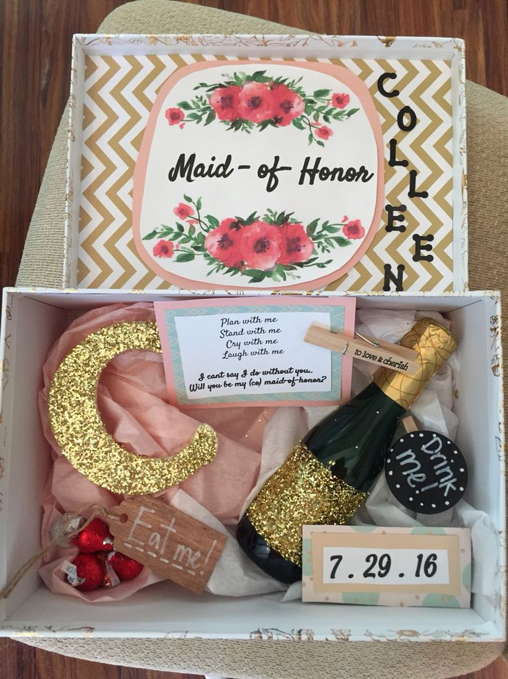top 25 best maid of honour gifts ideas on pinterest bridesmaid boxes bridesmaid proposal box. Black Bedroom Furniture Sets. Home Design Ideas