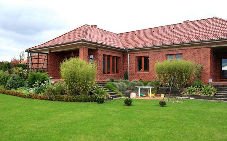 Одноэтажный дом из красного керамического кирпича