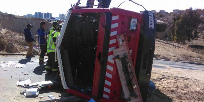 4  bomberos lesionados tras volcamiento en Coquimbo