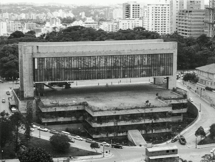 Lina Bo Bardi _ Museu de Arte de São Paulo