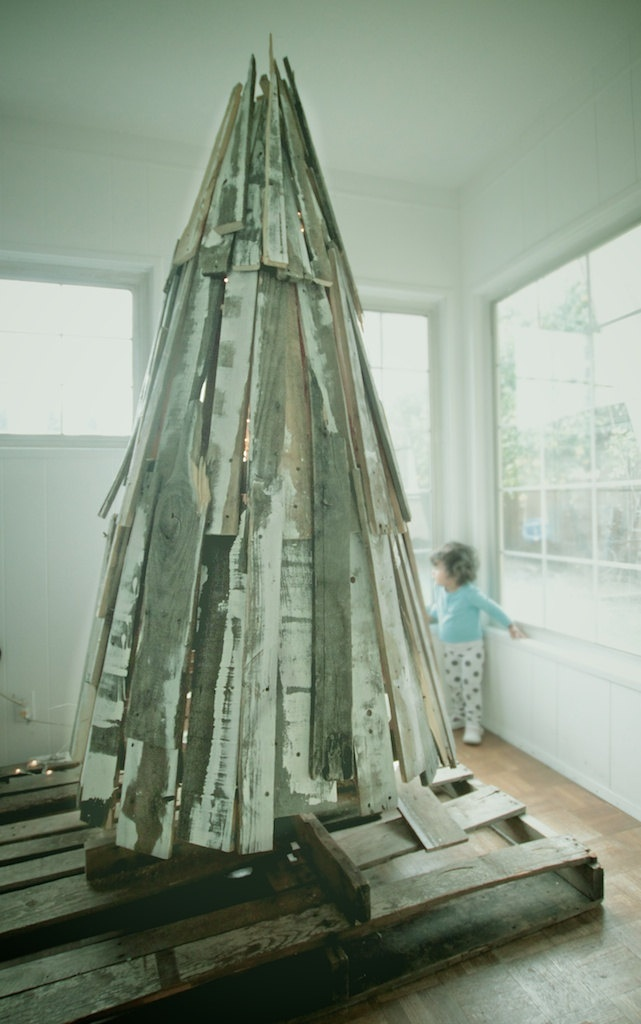 Reclaimed Wood Christmas Tree made from Vintage Shipping Pallets.    via Etsy.