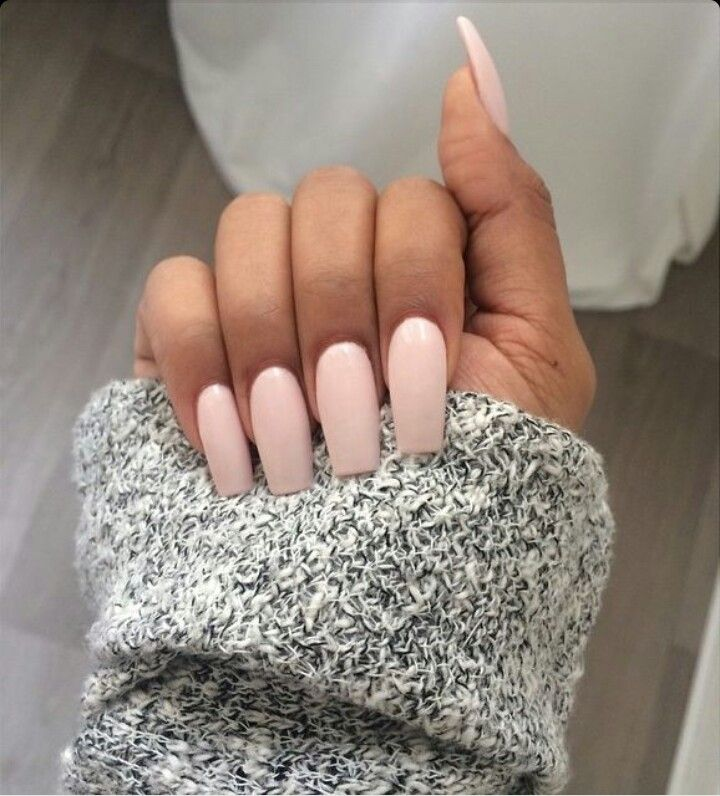 Light Pink / Peach Square Tip Acrylic Nails