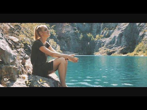 Marcus REVOLTA ft. Petra Huliaková - Svět se změní (prod. M. Revolta) - YouTube