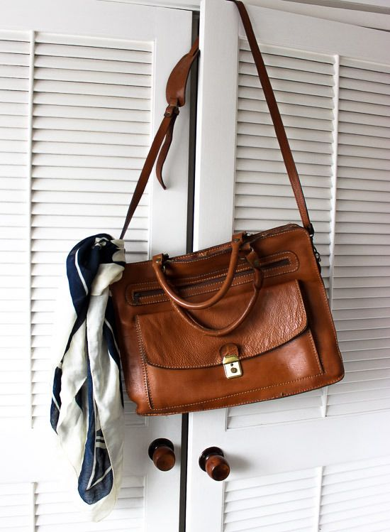 Brown Italian Leather satchel, my vintage find from Matakana market. Love the caramel colour!