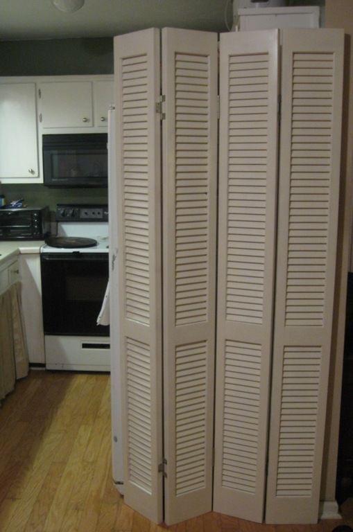 room divider from louvered bi fold doors doors diy and. Black Bedroom Furniture Sets. Home Design Ideas