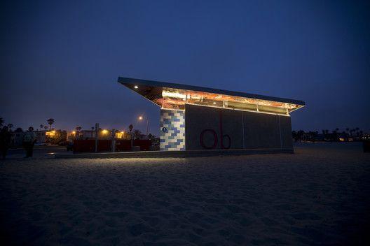 Galeria de Banheiro Público em Ocean Beach / Kevin deFreitas Architects - 14