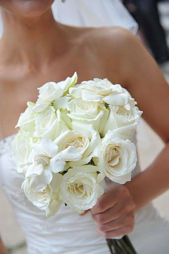 17 best images about wedding bouquets on pinterest milwaukee white bouquets and succulents. Black Bedroom Furniture Sets. Home Design Ideas