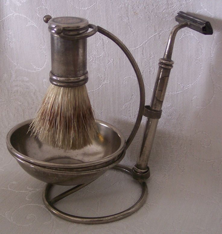 Vintage International Silver Shaving Stand w/Badger Hair Brush #iloveoldstuff #shaving #vintage