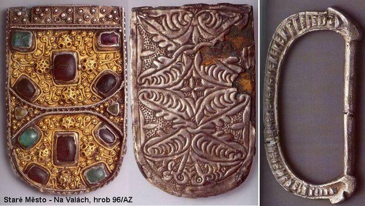 Zlacené stříbrné nákončí (kolem roku 1000, Velká Morava)
