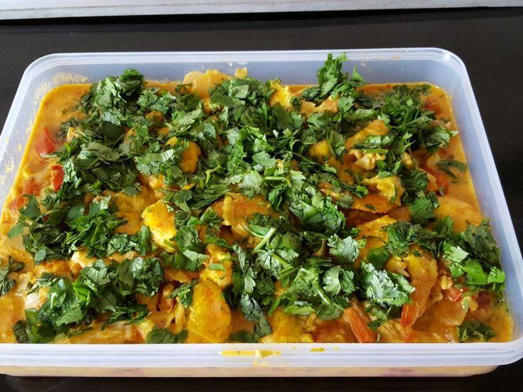 citron, curcuma, crevette, lieu noir, oignon, ail, tomate, piment, cumin, gingembre, curcuma, curry, lait de coco, coriandre