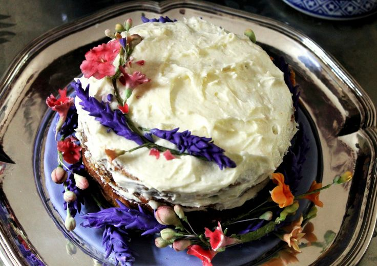 """""""Cottage Garden"""" carrot cake with lemon creamcheese frosting & sugarpaste flowers"""