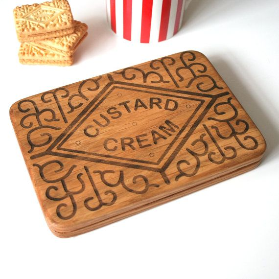 A supersize Custard Cream Biscuit Platter Board is just the thing for a biscuit fan and adds a nostalgic twist to tea time.    This original,