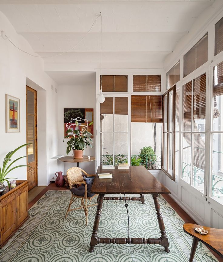 Renovation of an apartment in Eixample / Sergi Pons
