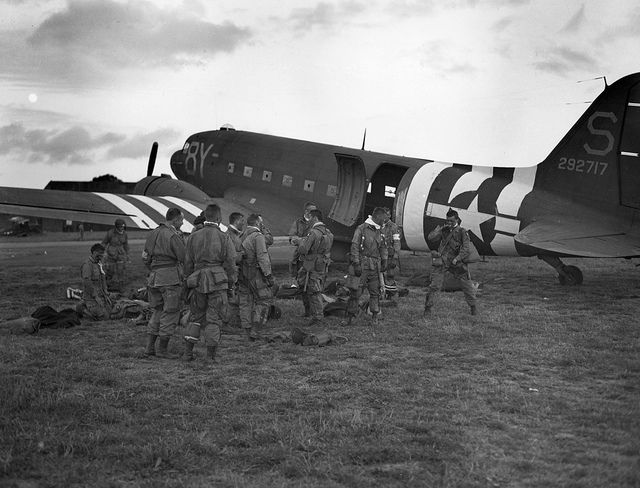 d'day airborne troops