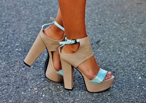 Tan and teal.: Baby Blue, Platform Heels, Currently Heels, Color Combos, Tiffany Blue, Nudes Heels, Amazing Shoes, High Heels, Chunky Heels