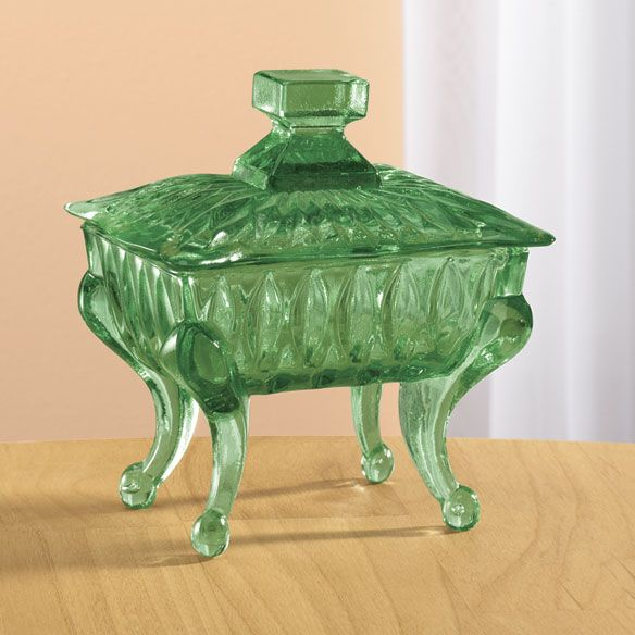 Depression glass candy dish. LOVE!: Glasses Green, Depresssionglass Green, Green Candydish, Beautiful Gifts, Glasses Candydish, Glasses Piano, Green Glasses, Candy Dishes, Green Depression Glasses