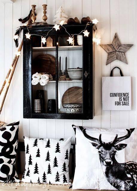 Świetne poduszki czarno-białe.  Black and white pillows
