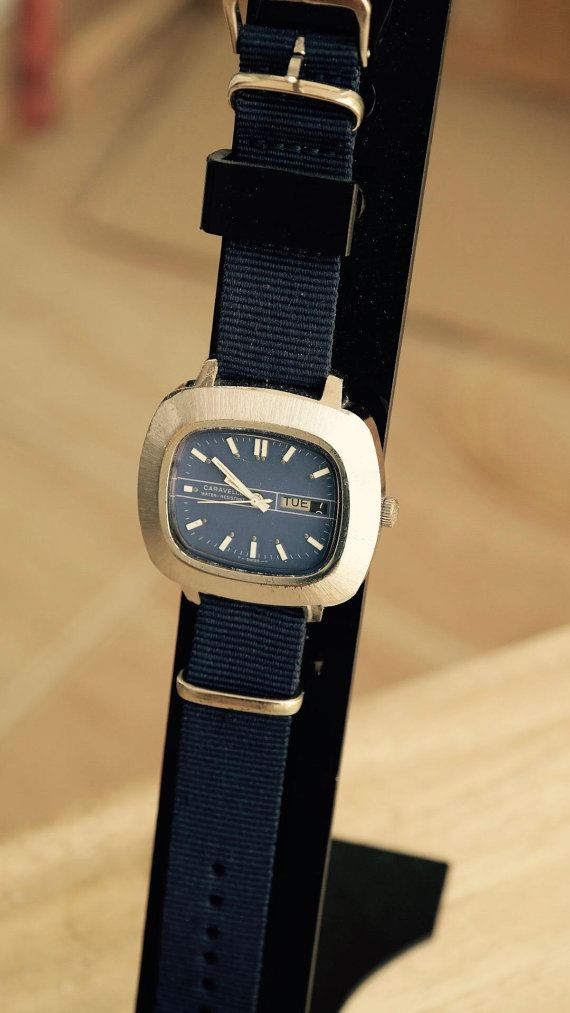 CARAVELLE BULOVA - 17 Jewels Wind Up Watch - iconic from the 1970's
