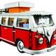 Lego Volkswagen T1 Camper Va  La replica del classico furgoncino Volkswagen, ma fatto con i mattoncini. Riprende fedelmente anche l'interno