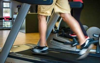Tapis roulant: allenamenti e consigli per dimagrire - Quale allenamento eseguire sul tapis roulant se si vuole perdere peso? Ecco i consigli per tonificare e dimagrire velocemente.