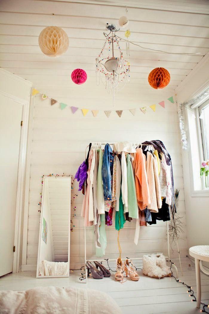 ラブリーサイド:私のアパートの問題エリア|ビルトインベッドルーム洋服ラック