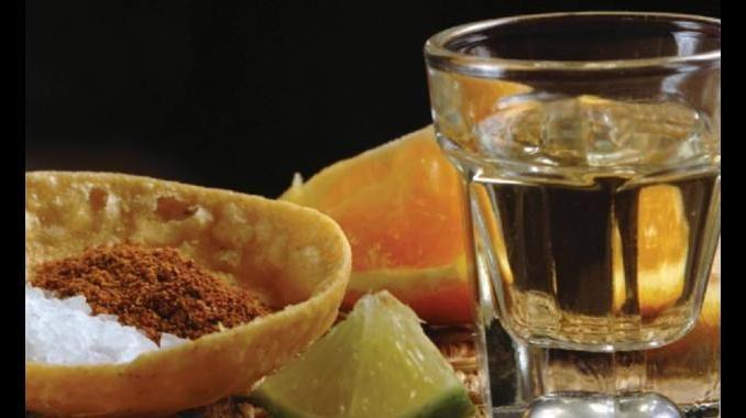 Mezcal, la bebida destilada que más está creciendo en México