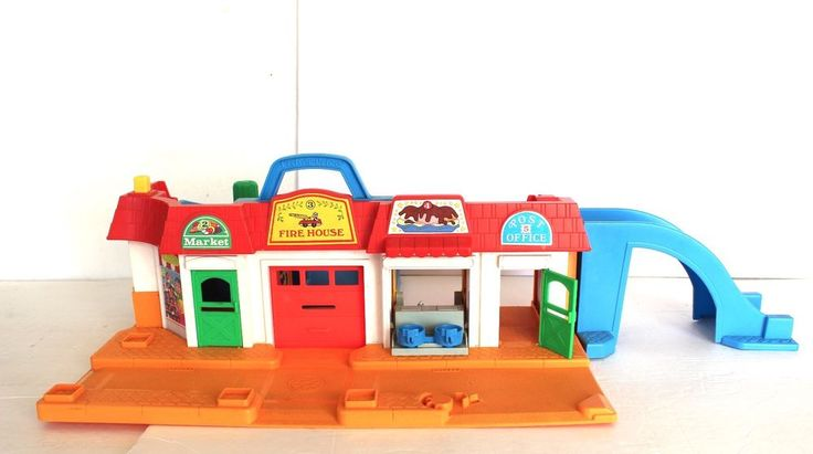 Vintage Fisher Price Little People #2500 MAIN STREET Play Set Curved Blue Ramps #FisherPrice