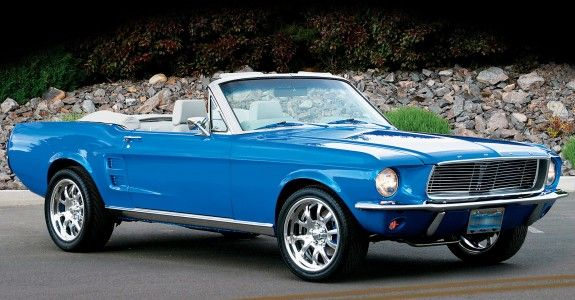 Blue Ford Mustang Cabrio - Classic Car