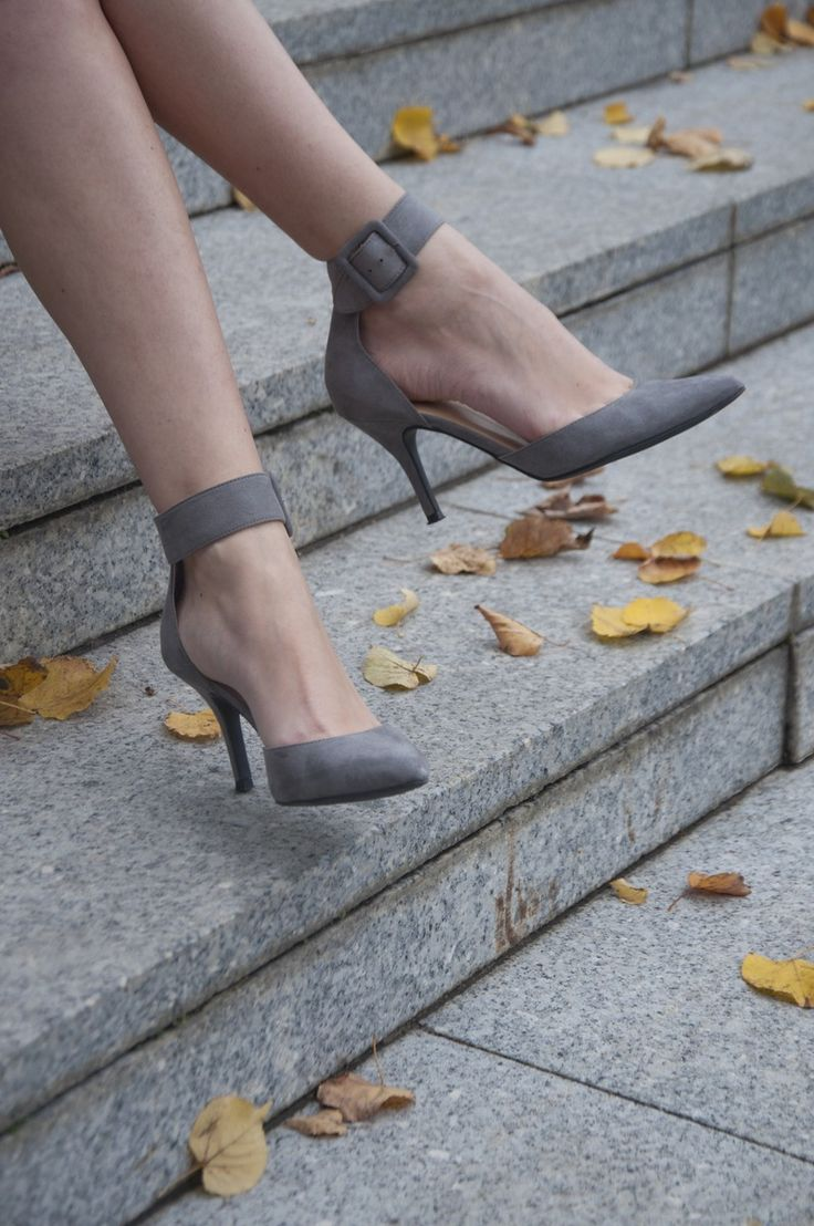 Liz Claiborne hydie suede pumps are perfect for the fall