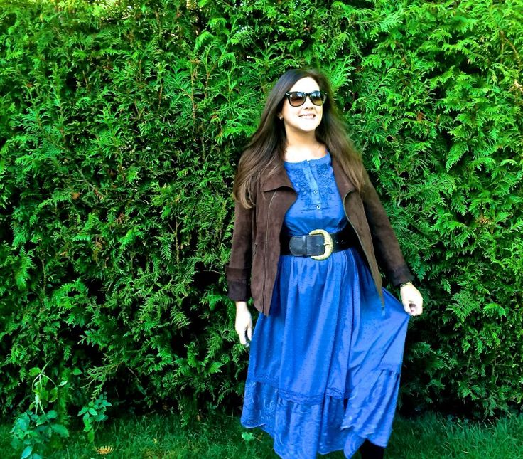 Boho chic- Long blue dress with a black oversized belt and jacket- The velvet runway