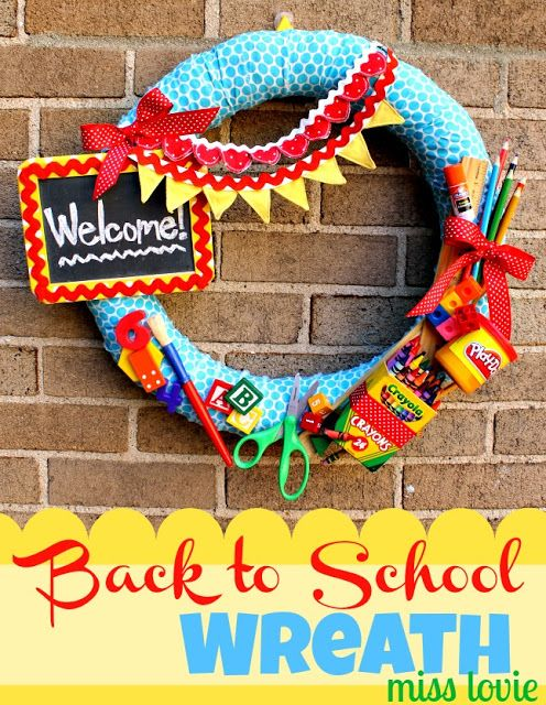 Back to school wreath!! @Jenn L Thomas Burrows