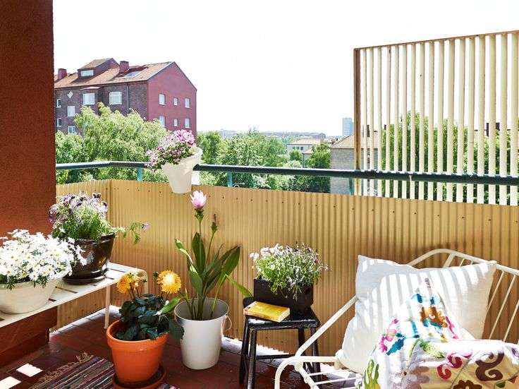 Urban outdoor space: lovely balcony.
