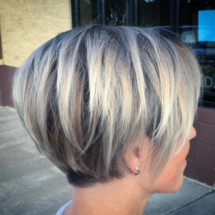 Idées de couleur de cheveux courts pour femme, coupe de cheveux courte chic pour 2019 #Shorthairbob
