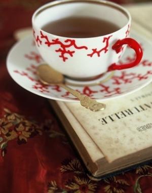 tea & books