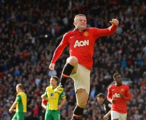 13-14イングランド・プレミアリーグ第36節、マンチェスター・ユナイテッド(Manchester United)対ノリッジ・シティ(Norwich City)。前半41分に先制点を決め、歓喜するマンチェスター・ユナイテッドのウェイン・ルーニー(Wayne Rooney、2014...