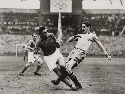Sweden and Yugoslavia in Football final at the Olympic Games, London, 1948.