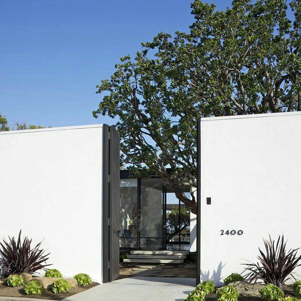 I love the California contemporary style with a courtyard .