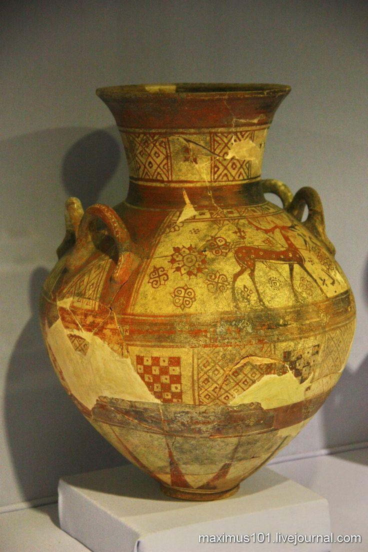 Археологический музей в Измире. Амфора с фригийскими оленями, 7 в. до н.э.