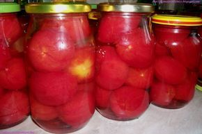 Mama i Pomocnicy: Pomidory w zalewie solnej na zimę