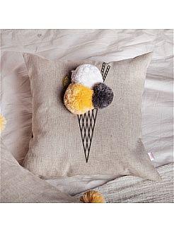 """Подушка декоративная """"Мороженка - крем-брюле"""", с помпонами Счастье в мелочах"""