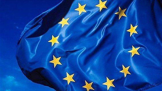 Il Belgio come l'Olanda, il Lussemburgo e l'Irlanda: anche Bruxelles è finita nel miniro dell'Antitrust europea che adesso impone al Paese di recuperare 700 milioni di tasse evase da parte di 35 multinazioni che attraverso una serie di accordi fiscali hanno cercato di aggirare il pagamento delle tasse in Europa. Una piaga che secondo l'Ue costa ai cittadini del Vecchio continente mille miliardi di euro l'anno.
