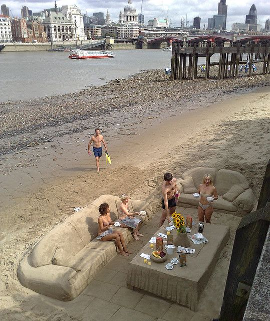 Breakfast on the beach, London: At The Beaches, Living Rooms, Sands Castles, Beaches Furniture, Beaches Chairs, Beaches Living, Sands Art, Sands Sculpture, Beaches Front