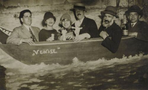 (lt to rt):Oswald de Andrade, Tarsila do Amaral[*], Yvette Farkou [friend of Dulce, Amaral's daughter), Fernand Léger, Constantin Brancusi and Maximilien Gauthier, 14 July 1926 at the 'Foire du Trône' (Paris) from rmn