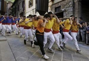 Corsa dei Ceri in Gubbio by Steve McCurry in Sensational Umbria   www.regioneumbria.eu