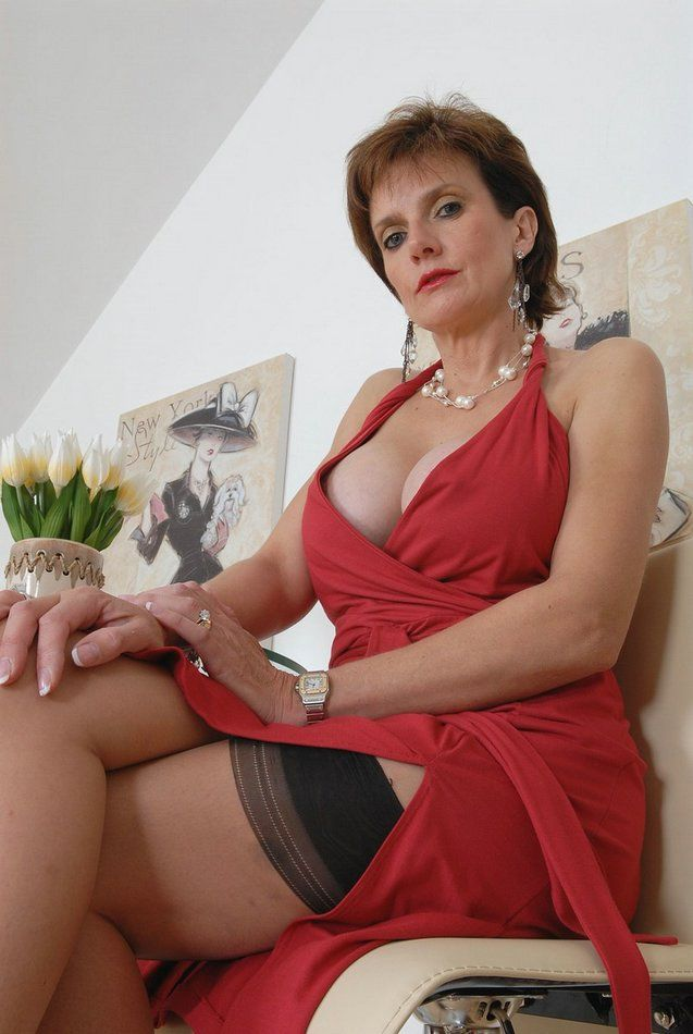 need smart Long black cock for blonde milf hot and big curves