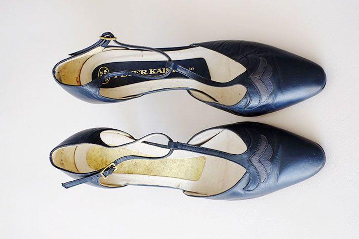Vintage Pumps - ♦ dunkelblaue Schuhe ♦ 70er Jahre ♦ 38 - ein Designerstück von lazyundlolita bei DaWanda