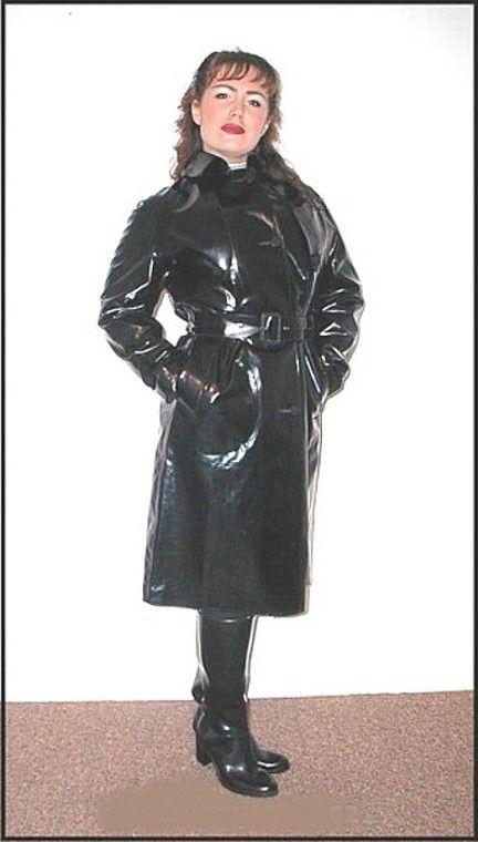 Wonderful shiny black rubber mac !
